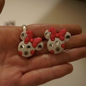 Minnie earrings